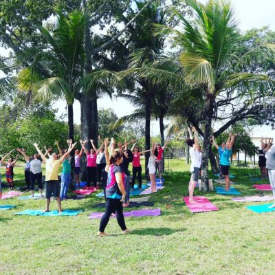 Aula de Yoga na Natureza